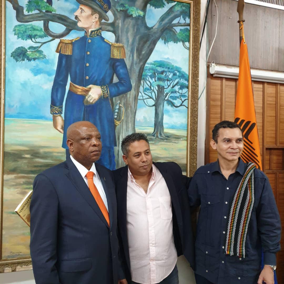 Embajador Nkosi Rector Quintero y Reinaldo Bolívar