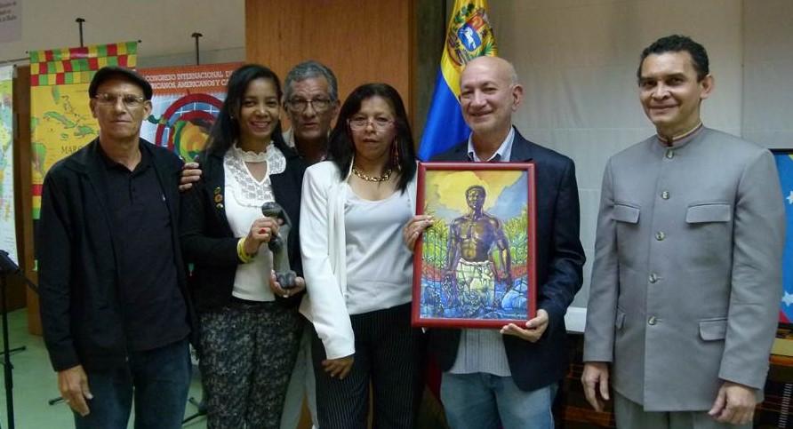 Estudiantes del Diplomado Estudios del Caribe Insular donaron obras de arte al instituto